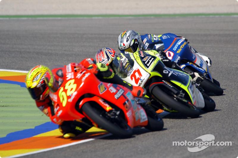 2003 Valencia, por delante de Stoner que acabó ganando la carrera