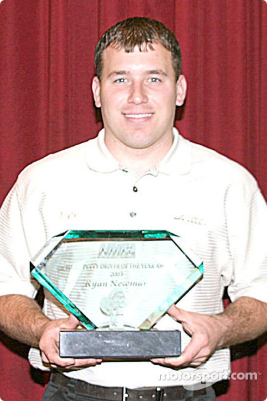 Convention annuelle de l'Association Nationale des Journalistes de Sport Automobile, à Charlotte : Ryan Newman remporte le titre NMPA de pilote de l'année