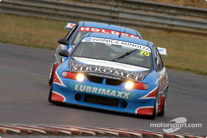 Alan Gurr leads team mate Lee Holdsworth