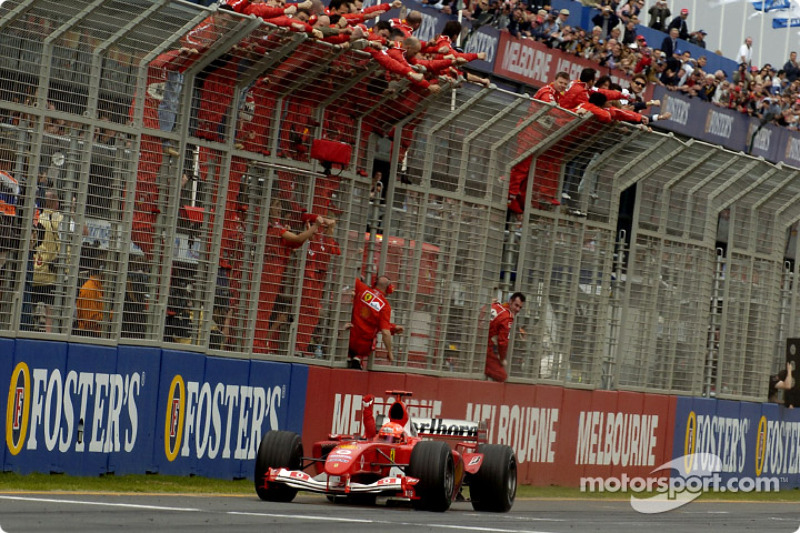 Michael Schumacher celebra el triunfo