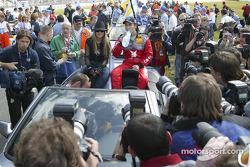 Drivers parade: Heinz-Harald Frentzen with pop singer Jeanette Biederman