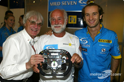 Renault F1 team dinner with Jarno Trulli's dad Enzo: Bernie Ecclestone, Enzo Trulli and Jarno Trulli