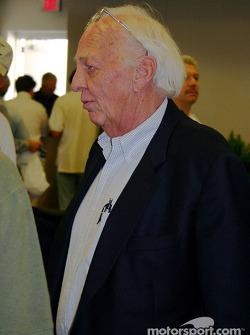 Ronnie Hissom