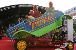 Those wacky clowns and their crazy machine