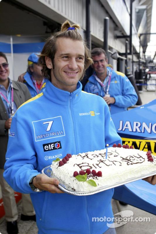Jarno Trulli fête son 30e anniversaire
