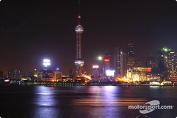 Oriental Pearl Tower in Pudong by night