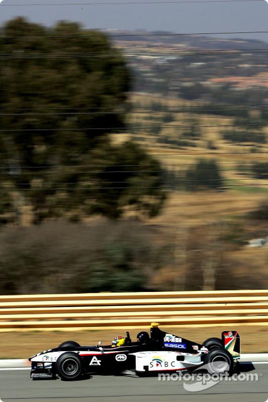 Nicolas Kiesa pilote la Minardi F1x2