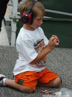 A young Tony Stewart fan