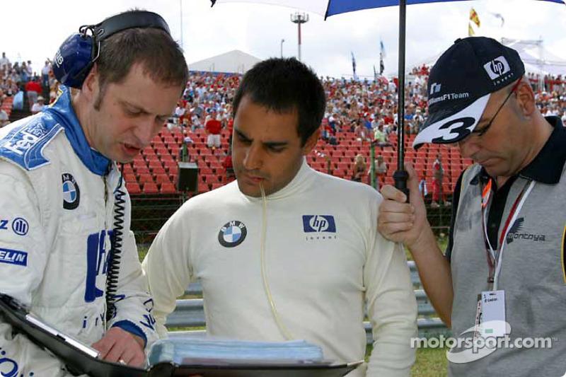 Juan Pablo Montoya en la parrilla de salida