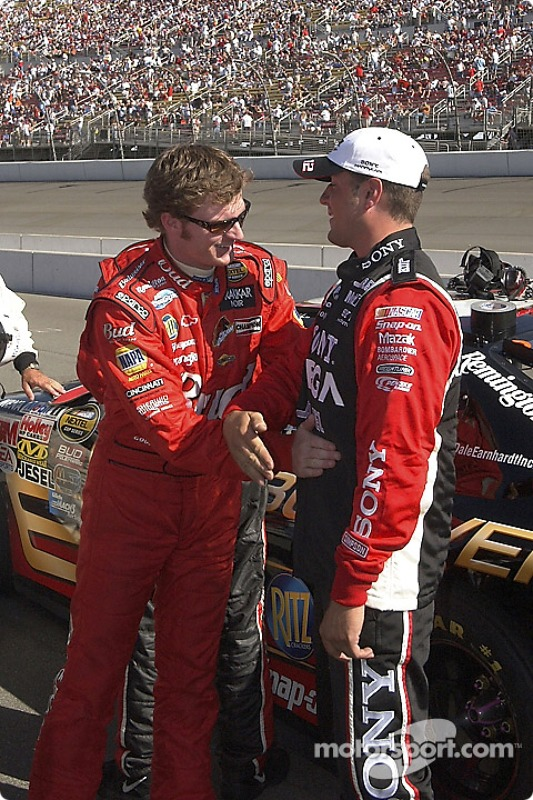 Dale Earnhardt Jr. parle un peu avant la course