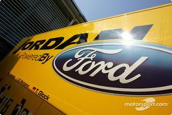 Camion Jordan avec le logo Ford