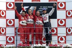 Подиум: победитель гонки Рубенс Баррикелло с Михаэлем Шумахером, Дженсон Баттон и Габриэле Делли Колли