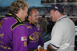 Danny Lasoski discute avec Steve Kinser et Ken Schrader