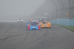 #17- James Freeman- Matich SR-2 et #2- Robert Ryan- McLaren M6B.