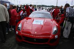 Vers le futur voorstelling: Jean Alesi in een Ferrari