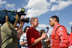 Le poleman Juan Pablo Montoya, Earnhardt Ganassi Racing Chevrolet