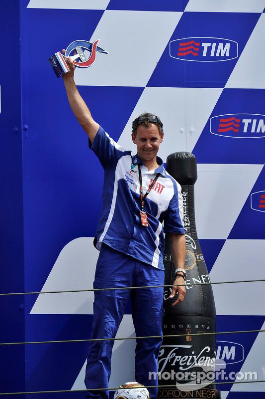Podium: Wilco Zeelenberg, team manager Jorge Lorenzo, Fiat Yamaha Team