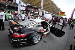#33 HANKOOK Porsche: Mitsuhiro Kinoshita, Masami Kageyama of Hankook KTR