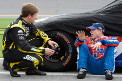 Carl Edwards, Roush Fenway Racing Ford, und Mark Martin, Hendrick Motorsports Chevrolet