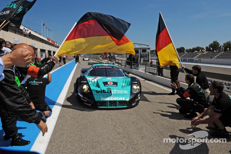 Race winnaar #1 Vitaphone Racing Team Maserati MC12: Michael Bartels, Andrea Bertolini