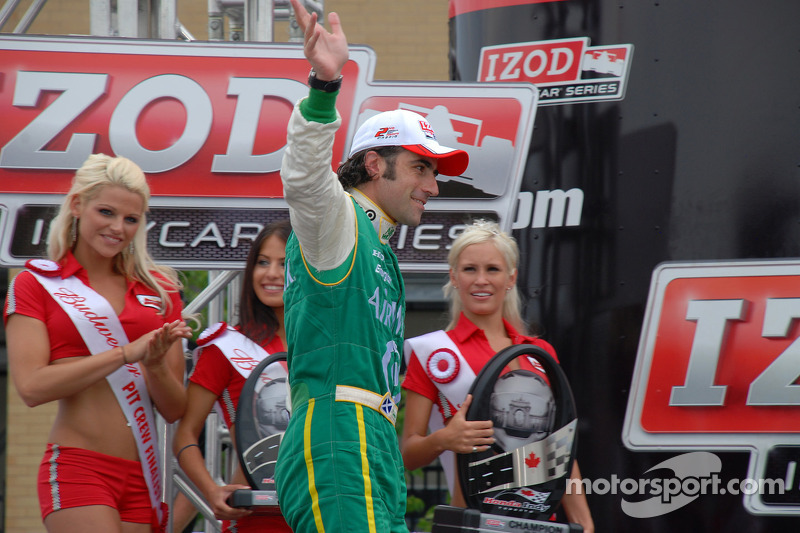 Podium: 2de Dario Franchitti, Target Chip Ganassi Racing