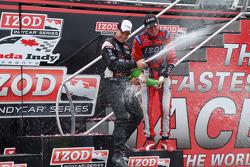 Podium: race winner Will Power, Team Penske celebrates with champagne
