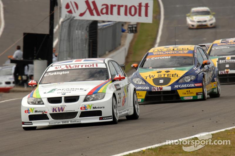 Colin Turkington rijdt voor Tom Coronel en Tiago Monteiro