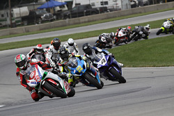 #72 Foremost Insurance/Pegram Racing - Ducati 1098R: Larry Pegram gets the holeshot on lap 1