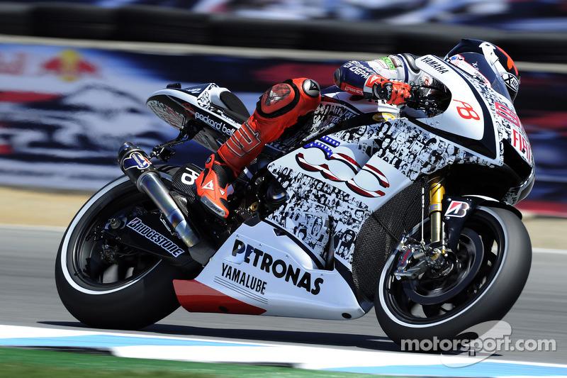 2010 рік - Yamaha (MotoGP) - Ліврея Fiat 500