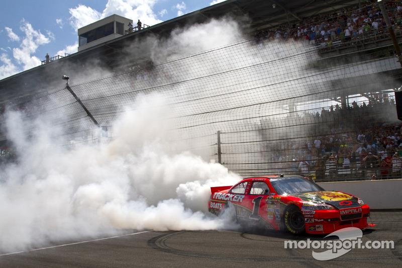 Race winnaar Jamie McMurray, Earnhardt Ganassi Racing Chevrolet