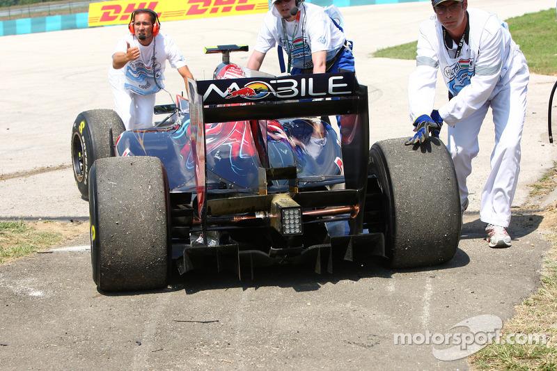 Abandon de Jaime Alguersuari, Scuderia Toro Rosso