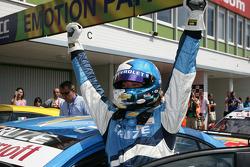 Winner Robert Huff Chevrolet, Chevrolet Cruze LT