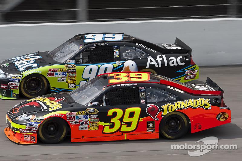 Ryan Newman, Stewart-Haas Racing Chevrolet, Carl Edwards, Roush Fenway Racing Ford