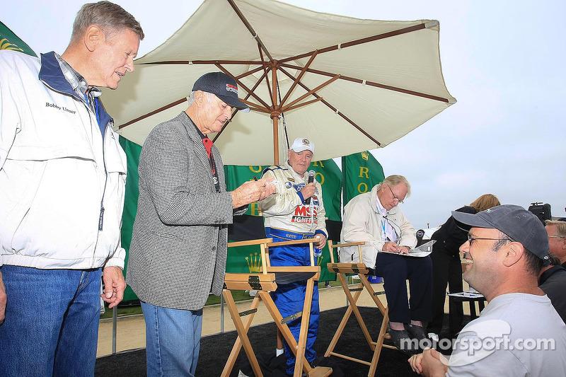 Dan Gurney geëerd: Bobby Unser en Bob Bondurant