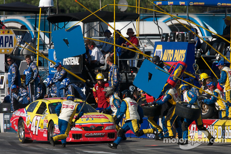 Pitstop Marcos Ambrose
