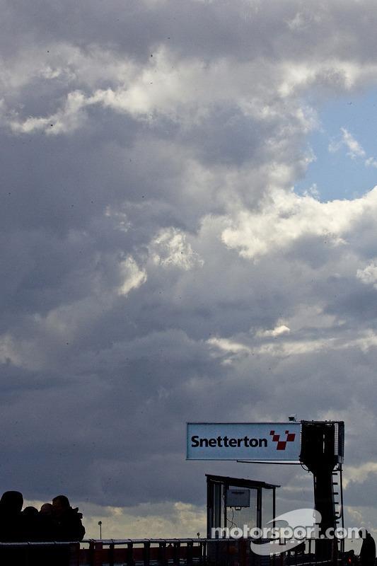Snetterton pitlane