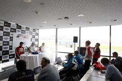 Persconferentie: winnaar Dean Stoneman, 2de Kazim Vasiliauskas, 3de Jolyon Palmer