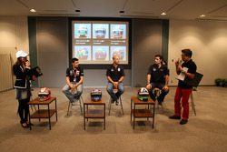 Alex Tagliani, FAZZT Race Team, Tony Kanaan, Andretti Autosport and Dario Franchitti, Target Chip Ganassi Racing