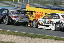 Gevecht met Martin Tomczyk, Audi Sport Team Abt Audi A4 DTM en Gary Paffett, Team HWA AMG Mercedes C-Klasse