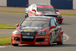 Shaun Hollamby leads Dave Pinkney