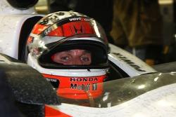 Will Power, Team Penske checks on the progress of the repair