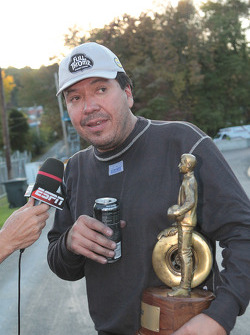 Cruz Pedregon being interviewed after taking the win