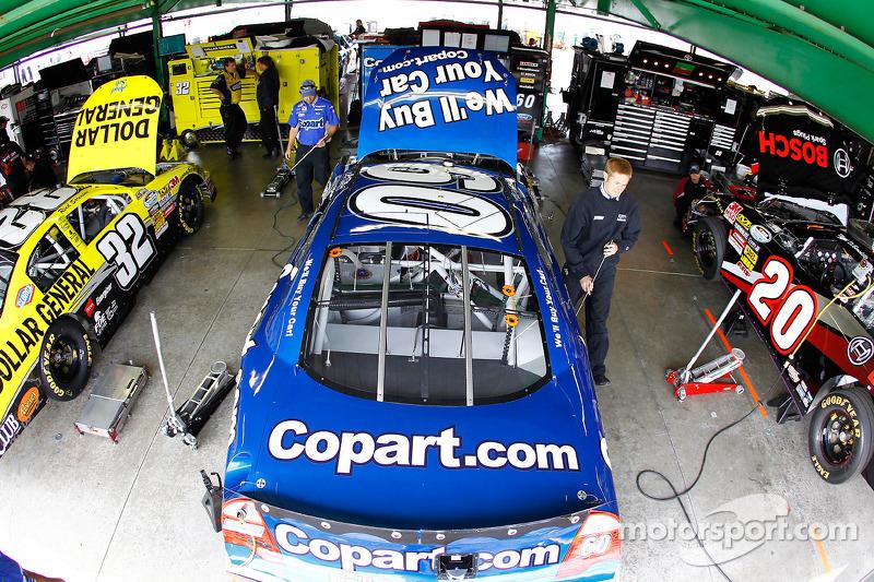 COPART Ford van Carl Edwards in de garage