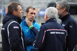 Bart Mampaey, Team Principal, BMW Team RBM, Andreas Bellu, en Jan Hartmann, Head of Touring en Entourance auto's at BMW