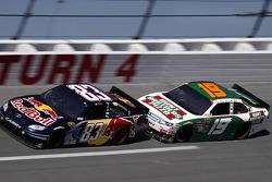 Kasey Kahne, Red Bull Racing Team Toyota, Elliott Sadler, Richard Petty Motorsports Ford