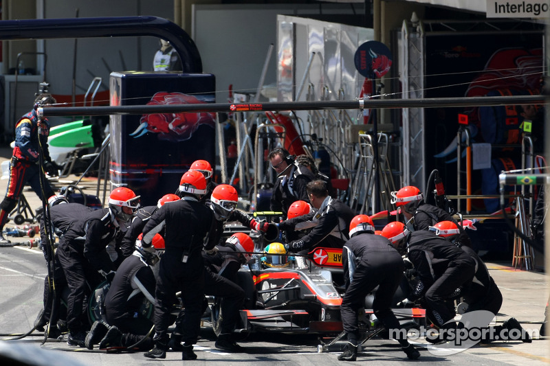 Bruno Senna, Hispania Racing F1 Team, pitstop