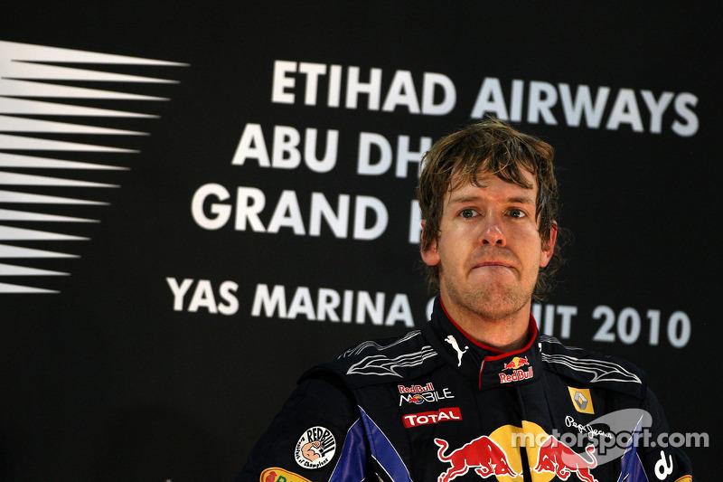 Podium: race winnaar en 2010 Formule 1 wereldkampioen Sebastian Vettel, Red Bull Racing