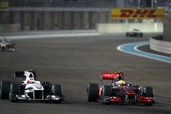 Kamui Kobayashi, BMW Sauber F1 Team, Lewis Hamilton, McLaren Mercedes