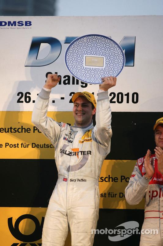 Podium: race winnaar Gary Paffett, Team HWA AMG Mercedes