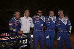 Pilotos del Volkswagen Motorsport: Carlos Sainz, Nasser Al Attiyah, Giniel De Villiers y Mark Miller con Kris Nissen